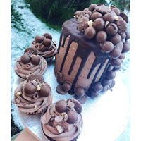 baked by naomi qcard offer  cake