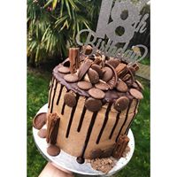 baked by naomi qcard drip cake